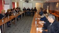 """Бизнесът и образованието трябва да вървят заедно, каза на среща с работещи в сферата на образованието и бизнеса в Област Бургас водачът на листата на Коалиция """"БСП лява България""""..."""