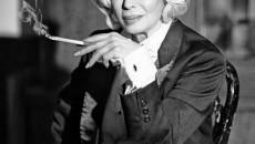 """След като се превъплъти в образа на Марлене Дитрих и стана част от специалната фотосесия от кампанията """"Да оставим следи"""", Лили Иванова ще подкрепи финалната инициатива на сдружението с концерт..."""