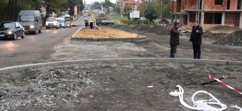 Кметът на община Несебър Николай Димитров инспектира на място строително-монтажните дейности по реконструкцията и разширението на пътна връзка от първокласен път I-9/E-87/ (вход на гр.Несебър) до кръгово кръстовище...