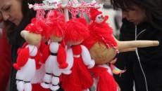 На 1 март хората, дърветата и животните се закичват за здраве и успех с мартеници, направени от пресукан бял и червен конец  Източник: БГНЕС   Още по...