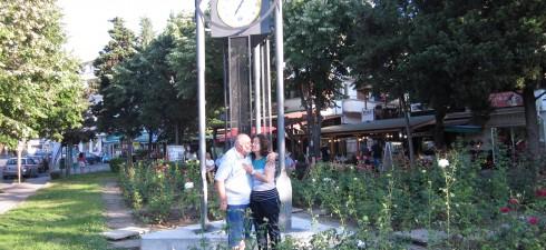 Нещо като идея за снимка за Фотоконкурса-ПРЕД ЦИФЕРБЛАТА ЛЮБОВ  Уважаеми граждани и гости на Несебър, Преди три дни в уникалния Несебър бе монтиран красив Градски часовник.Тази придобивка за гражданите...