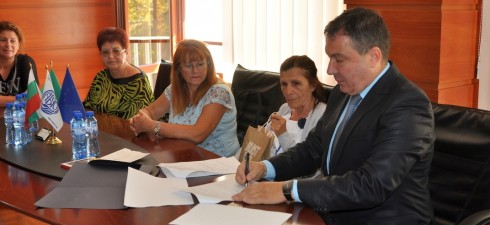 """Жилищна сграда """"Роза"""" – Слънчев бряг, подписа договор с община Несебър за безплатно саниране по Националната програма за енергийна ефективност, като това е една от първите стъпки към красива и..."""