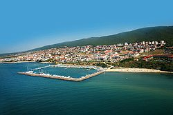 250px-Dinevi_marina_at_St_Vlas_resort