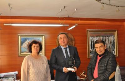 Кметът на Несебър бе удостоен от СБУ с награда за най-добър социален партьор за  2016 г