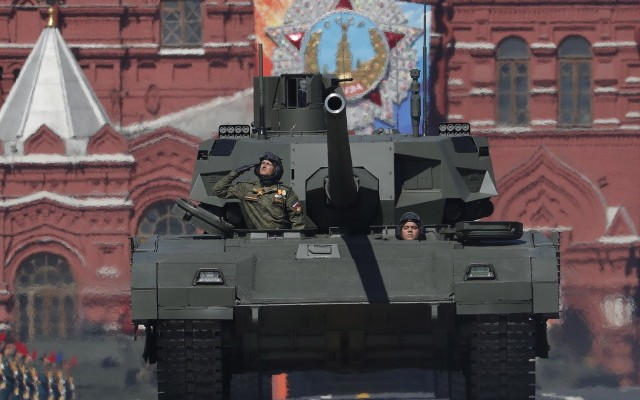epa06721227 A Russian Armata tank takes part in the Victory Day military parade in the Red Square in Moscow, Russia, 09 May 2018. Russia marks the 73rd anniversary of the victory over Nazi Germany in World War II.  EPA/SERGEI ILNITSKY